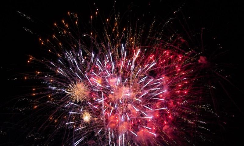 Габровци посрещат Нова година ден преди целия свят
