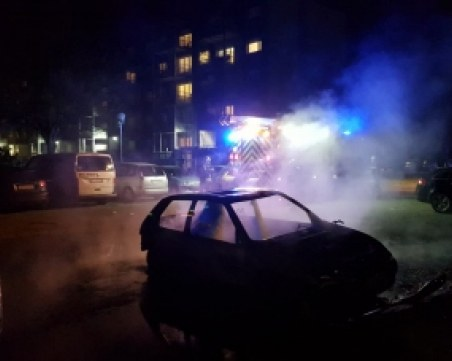 Подпалиха 220 автомобила в новогодишната нощ