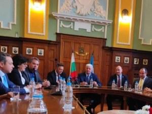 Екипът на Здравко Димитров вече е готов, новите му вицета встъпиха в длъжност