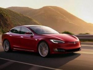 Tesla сваля цената на автомобилите, прозведени в Китай