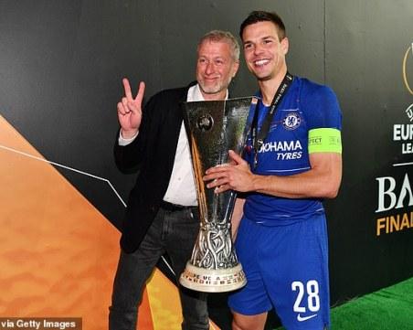 Абрамович не стъпва на Стамфорд Бридж, но наля 247 милиона паунда в Челси за година