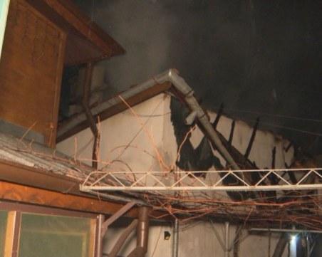 Семейство остана без дом заради силен вятър и късо съединение