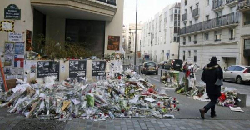 5 години от атената срещу Франция и