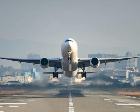 Продължаващите стачки във Франция могат да засегнат и полетите
