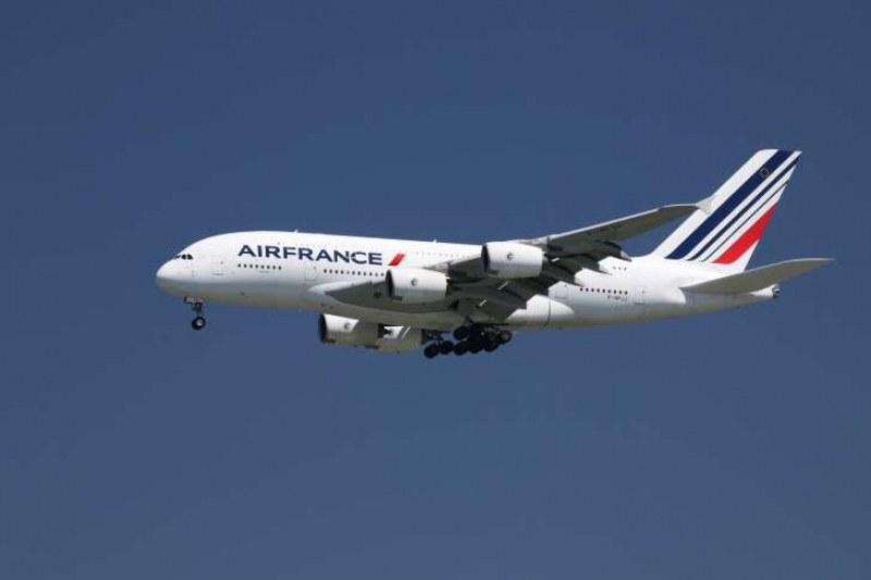 Авиокомпании спират полетите над Ирак и Иран