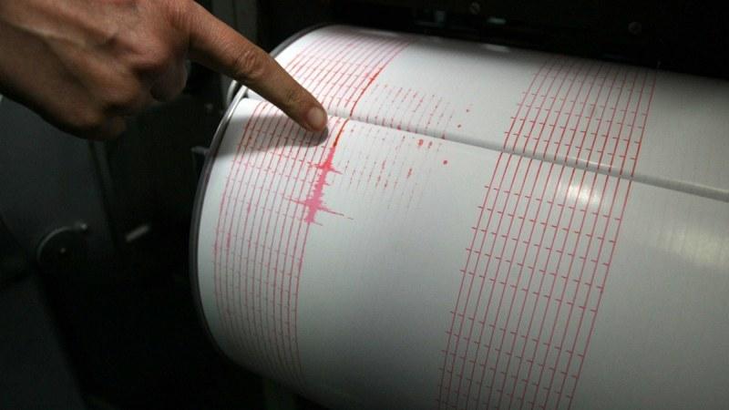 Две земетресения разтърсиха Иран, трусът е близо до атомната електроцентрала