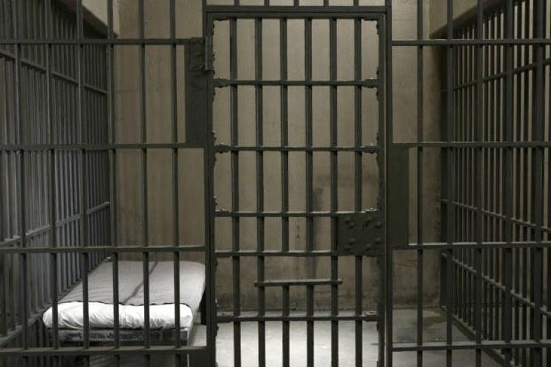 Пловдивски затворник се жалва от мизерия в килиите, поиска 20 бона обезщетение