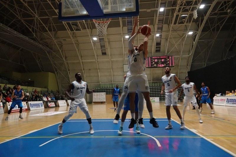 6 от 6 - Академик Бултекс 99 без грешка в Балканската лига