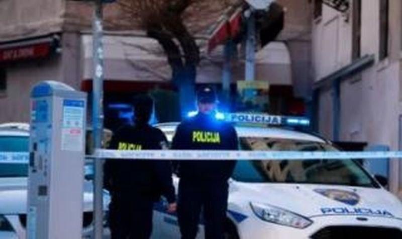 Въоръжен откри огън в Сплит, има загинали