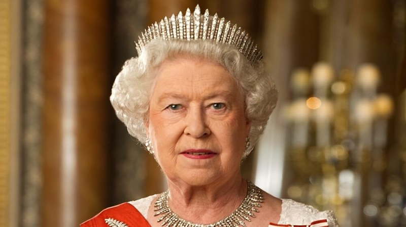 Какво реши кралица Елизабет II за съдбата на Хари и Меган?