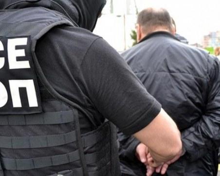 Униформени закопчаха издирван престъпник в почерненото село Галиче