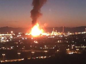 Взрив в нефтохимически завод в Испания, има опасност от химическо обгазяване!