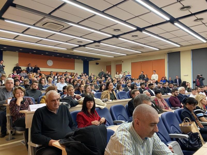 Трима нови професори и петима доценти в МУ-Пловдив