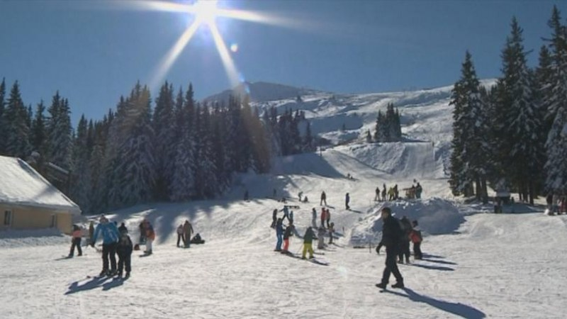 Снежен екшън и атракции радват столичани на Витоша