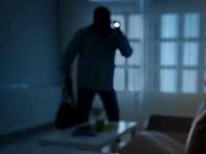 Апаши откраднаха 400 бона от апартамент в Кърждали
