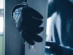Спипаха крадец, претарашил къща в Пазарджишко