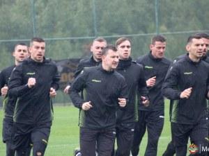 Здрави натоварвания за играчите на Ботев в Алания