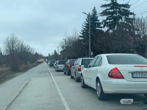 Километрично задръстване от Пловдив към София заради монтирането на рамки за тол системата