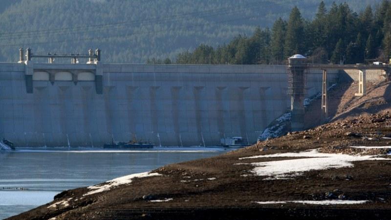 """Спелеолози откриват незаконни отклонения на вода от язовир """"Студена"""