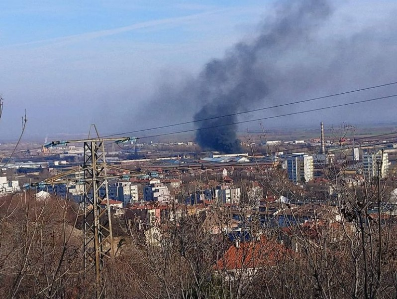 Пожар избухна в Асеновград