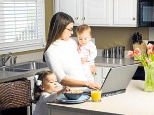 Трудът на жените в семейството - неплатен, незабелязан, непризнат