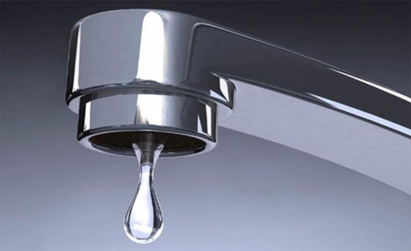 Ремонти спират водата в