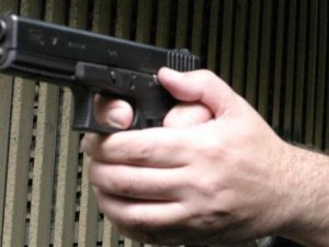 Грузинец нападна с пистолет мъж във Варна