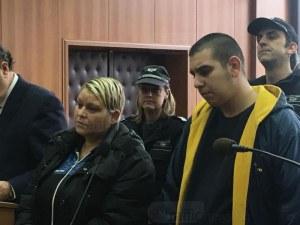 Майка и син, заклали мъж след запои в Пловдив, се сдобиха с обвинения