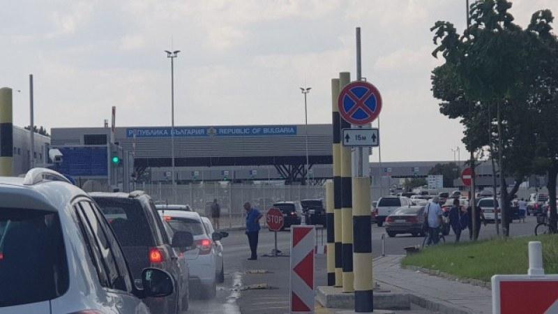 Засилено движение на камиони на границата с Турция