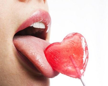 Как да овладеете давещия рефлекс при орална любов?