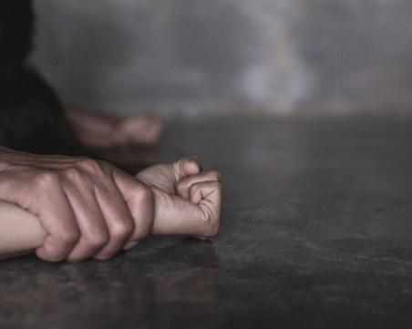 Боклукчия опита да изнасили младо момиче
