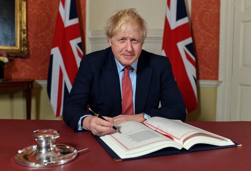 Борис Джонсън подписа споразумението за Брекзит