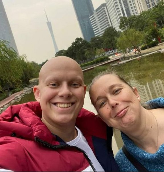 Онкоболният Георги се завърна с добри новини от Китай
