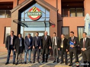 Ботев ще си сътрудничи с международна футболна академия от Либия