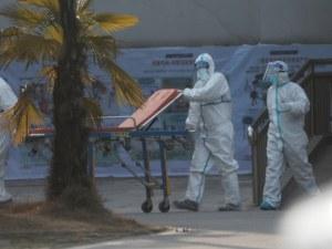 Коронавирусът взима все повече жертви, заразените са над 800