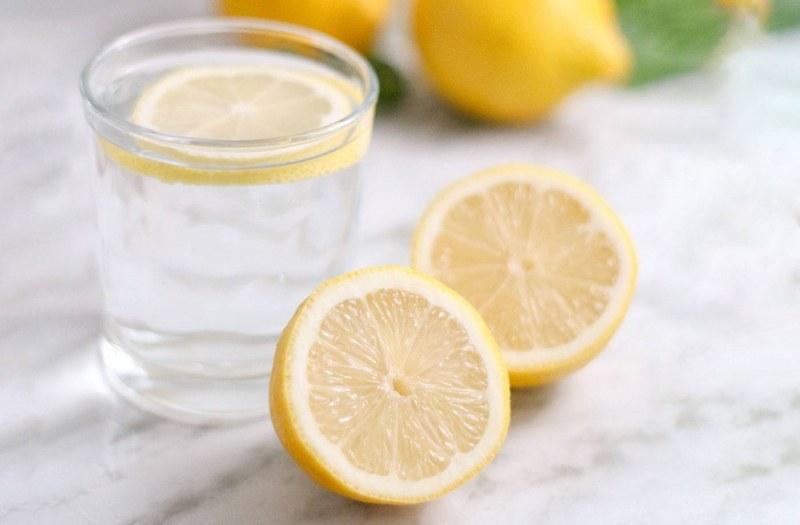 Лимоновата вода укрепва имунитета и помага при дихателни проблеми
