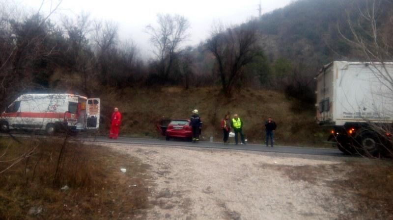 Тежка катастрофа край Кресна! Мъж загина
