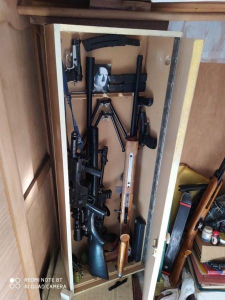 Откриха цял арсенал в дома на мъжа, който се самоуби в сградата на ДАНС