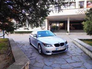Кметът на Брезово направи показно на пловдивчани как (не) се паркира