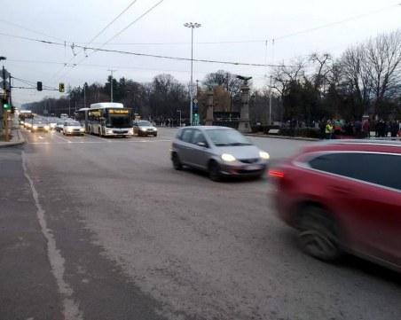 Падна незаконната блокада на Орлов мост