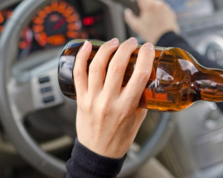Пияна до козирката шофьорка катастрофира в Пловдив