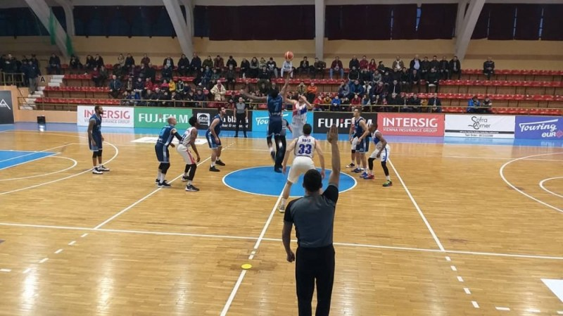 Академик Бултекс 99 с първа загуба в Балканската лига