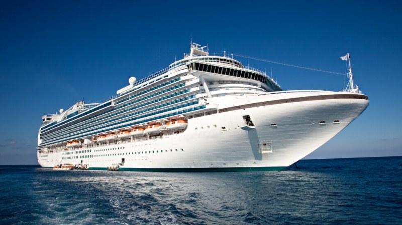 6000 души останаха блокирани в кораб заради коронавируса