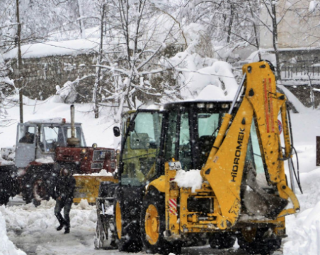 Над 120 души са спасени от снежни блокади тази нощ в Стара Загора