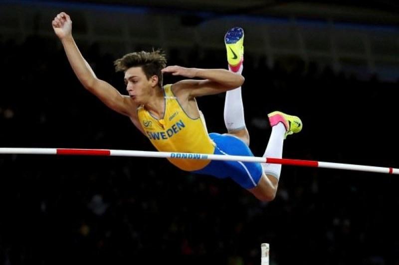20-годишен с нов световен рекорд в овчарския скок