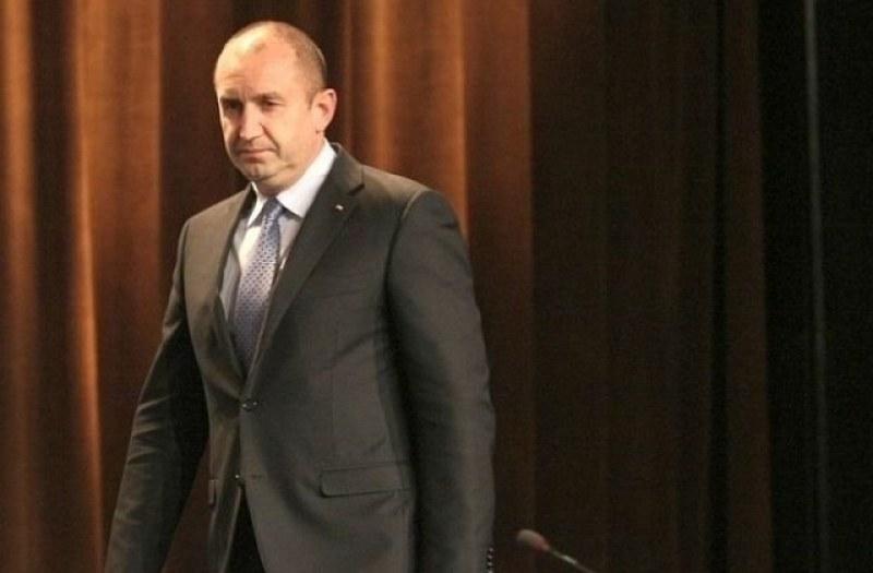 Румен Радев: Знаел ли е премиерът, че негови подчинени ме подслушват?