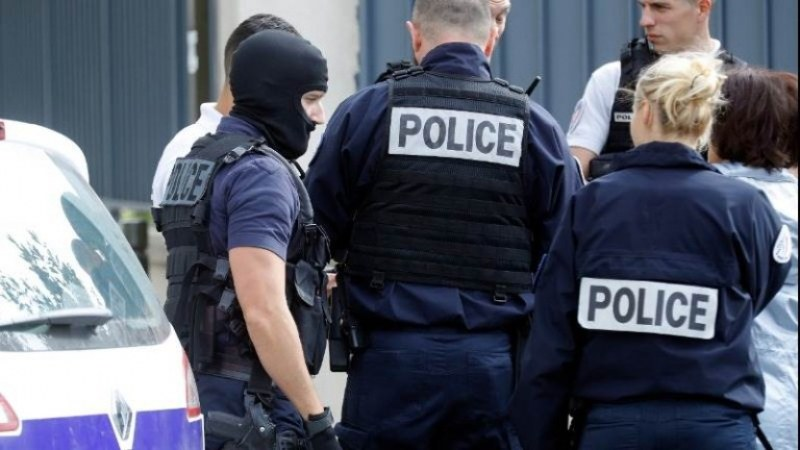 Откриха осем души, обявени за общодържавно издирване, в Нова Загора