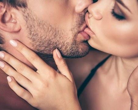 Не правете тези 6 неща, докато се целувате