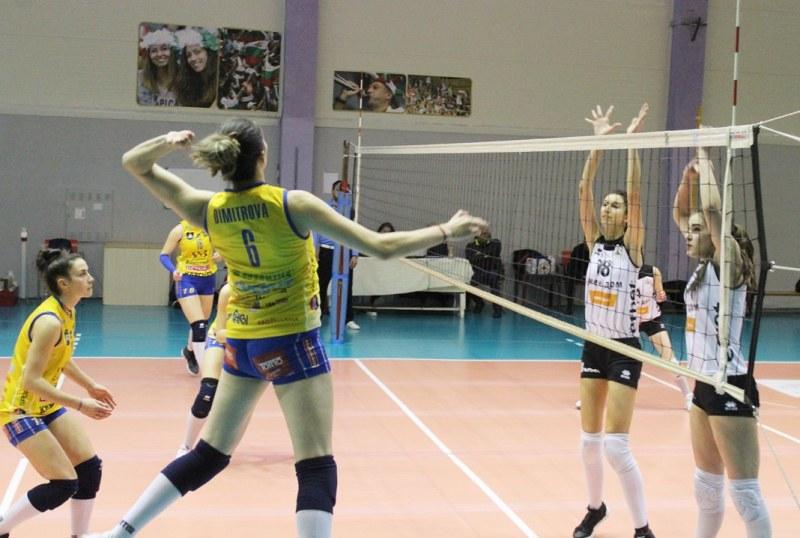 Волейболната Марица в цифри: 15 победи, 45 точки, 45:0 гейма