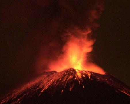 Зрелищно изригване на вулкан в Мексико!